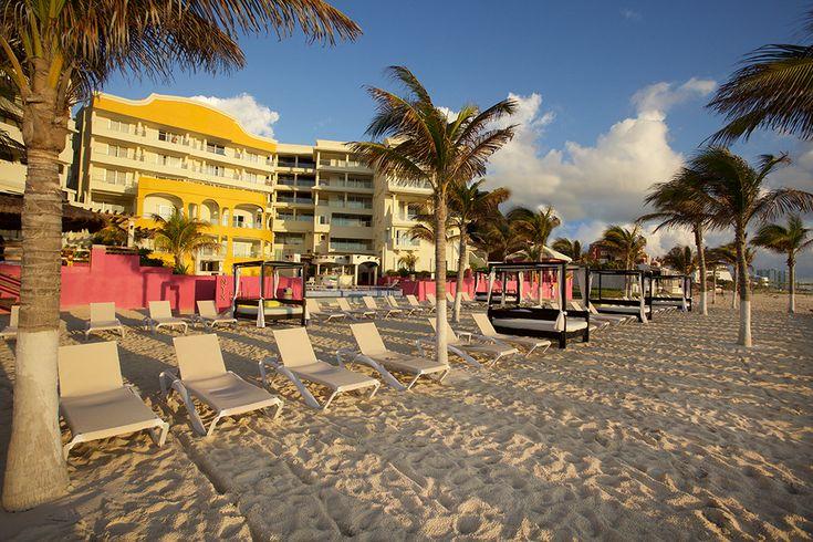 2. NYX Cancún, ubicado en la Zona Hotelera, rodado de plazas comerciales, restaurantes y mucho más. Por cierto tiene una hermosa vista al mar. Recomendado para parejas