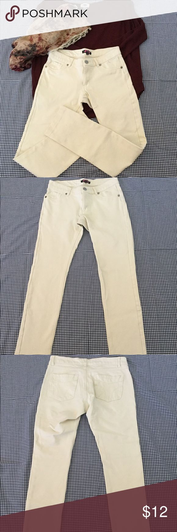 Body Central Skinny Pants Skinny pants from Body Central. Size S Body Central Pants Skinny