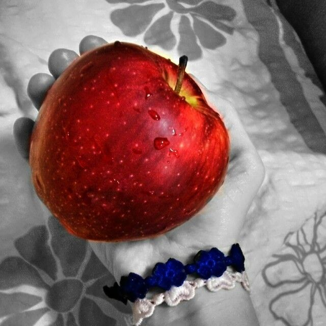 This nice Apple will be my dinner. :) Yummi *..* #apple #fruit #love #eat #foodgasm #food #healthy #healthyfood #love #followforfollowback #follow4follow #followforfollow #followmeplease #followme #likeforlike