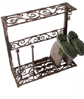 Mooie, sierlijke artikelen van gietijzer of cast iron. Ze zijn functioneel, nostalgisch en kunnen zowel binnen als buiten staan. Altijd leuk om te geven en dit zijn gegarandeerd cadeau's die niet zomaar in een hoek weggezet worden.