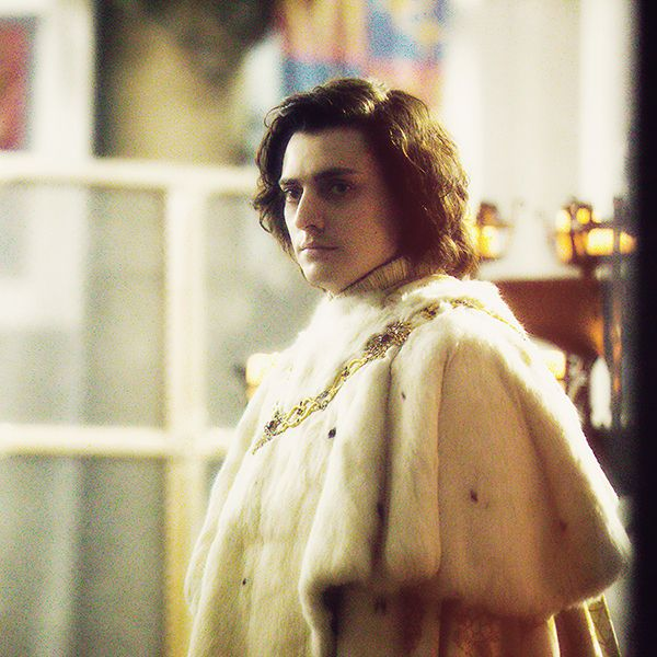 Aneurin Barnard as King Richard III