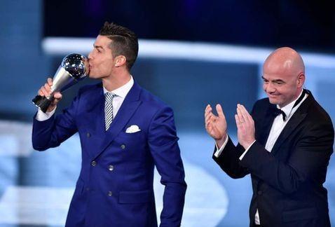 FIFA elige a Cristiano Ronaldo como el mejor del mundo | El Puntero