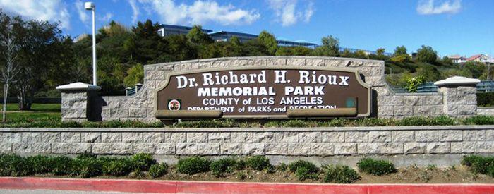 Richard Rioux sign