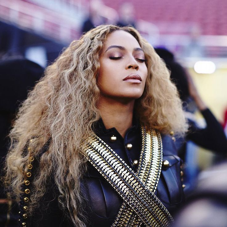 Beyoncé performing at the Super Bowl 50 Halftime Show. 07.02.2016