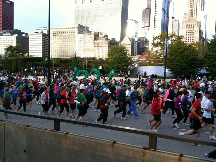 How to Run the Chicago Marathon | Runner's World & Running Times