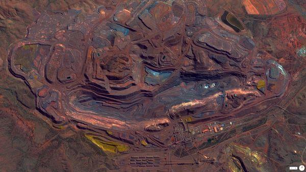 Des minerais de fer au Mont Whaleback à Pilbara, Australie