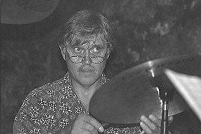 geboren am 17.11.1944 in Frohnleiten / Steiermark  gestorben am 20.11.2011 in Gasselsdorf / Steiermark    Erich Bachträgl war ein österreichischer Jazzmusiker und Komponist