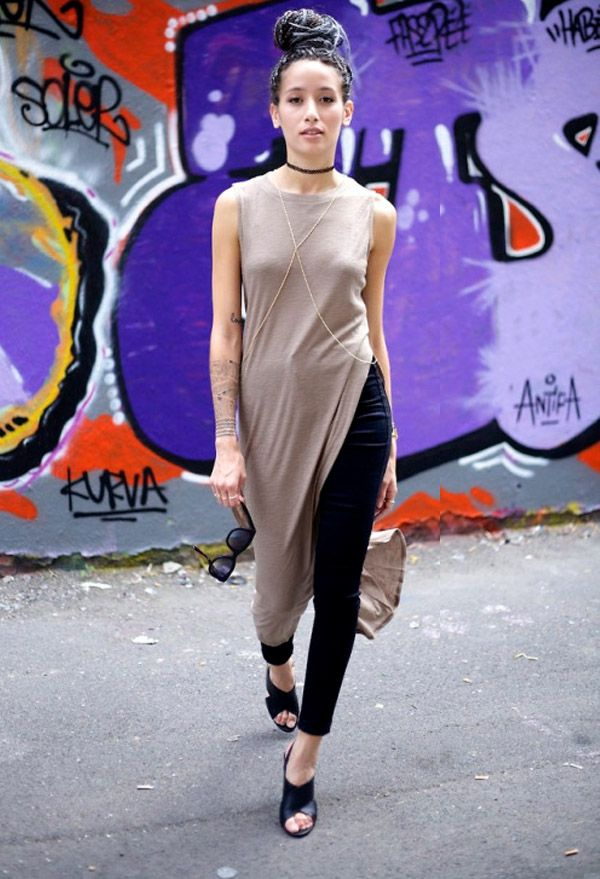 maxi-t-shirt-street-style-mule-shoes: