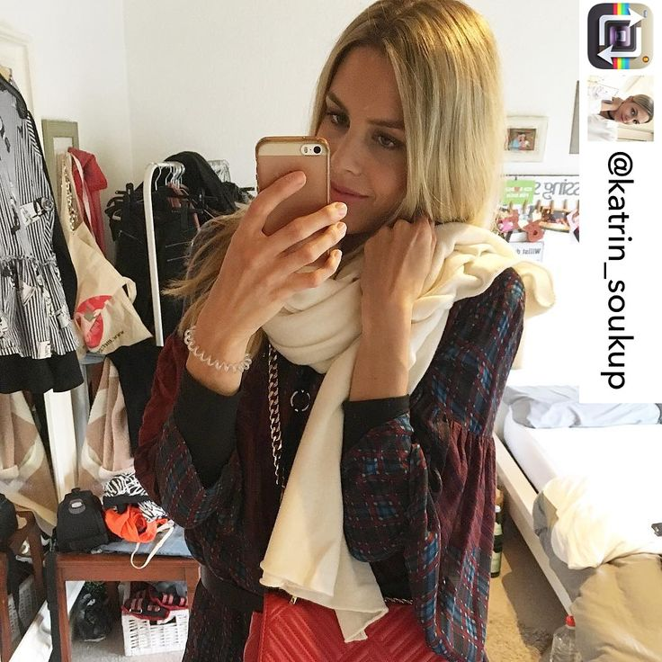 Katrin in Love with her new scarf from simone Cuntz