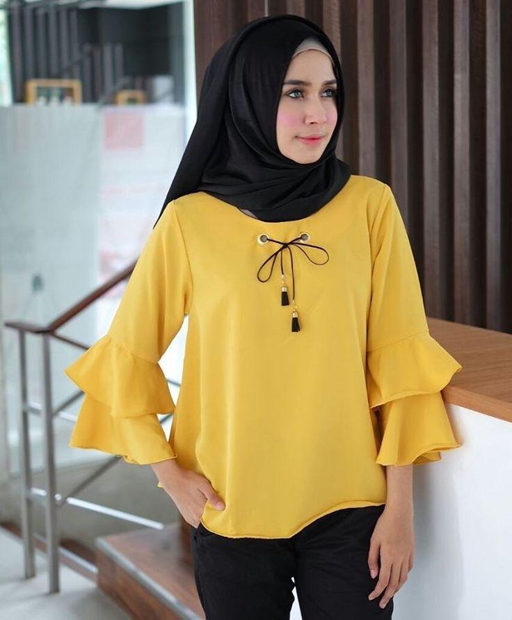 ㅤㅤ  Supplier Hijab Murah  ㅤ  Ready SN1250 @56rb ( KHUSUS GROSIR)  Bahan Peach Sofie  Seri 6 warna  LD98 cm  P66 cm  Contact Us for more detail  Line: @ konveksi.hijab (pakai tanda @ yah)  WA: 0858 8533 3907ㅤ  Store Location : PGMTA Lt LG Blok B No. 176  Group Store Instagram :  Hijaber : @ louve.pgmta  Gamis : @ alyla.alyla