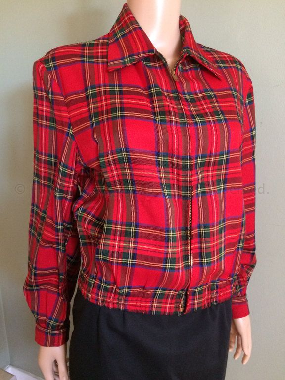 1950s Zero King Sports Apparel Red Plaid Jacket Fitted Waist Cuffed Sleeves Pockets Inside and Out Zip Front S M V5s3W