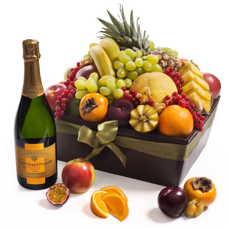 VIP Fruit Hamper & Veuve Clicquot
