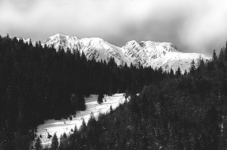 Piatra Craiului - Opposite Bucegi Massif, Piatra Craiului is an isolated, steep and very interesting range