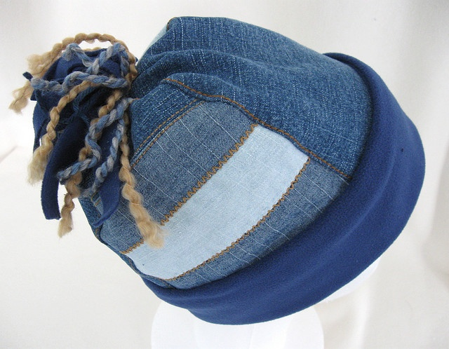 Blue fleece and recycled jeans cuffed pie hatTopi Jeans, Recycle Denim, Recycle Jeans, Jeans Cuffed, Blue Jeans Recycle, Pies Hats, Jeans Hats, Cuffed Pies, Blue Fleece