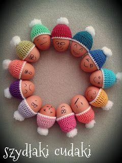 Szydłaki Cudaki: Szczęśliwa 13stka czyli szybkie czapeczki na jajeczka:)