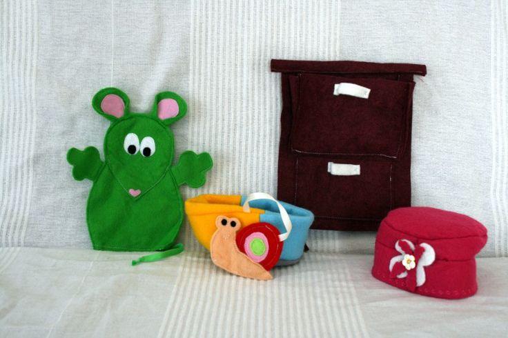 Tablier à comptines : la chanson de la souris verte et ses 3 petites crottes dans la culotte ;-)