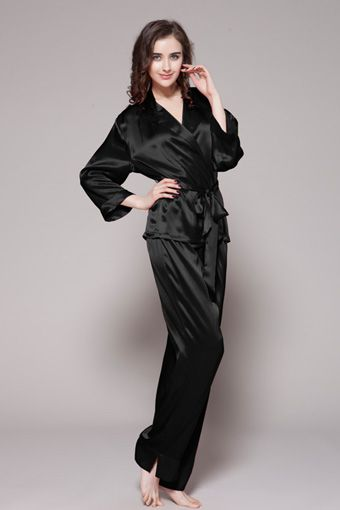 Black color 100 pure silk pajamas women are online. This 100-percent pure silk pjs set for girls are two-piece set. $99 #pajamas #silk #lilysilk