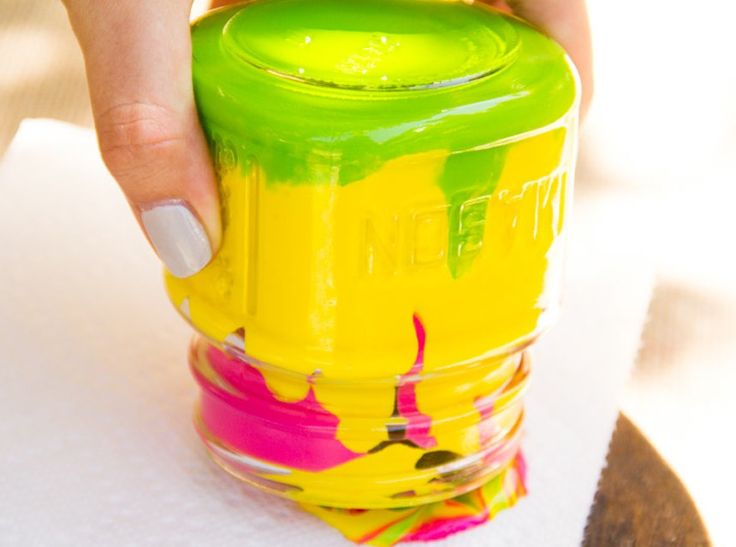 Amazing must try project you'll need a paper towel mason jar and paint