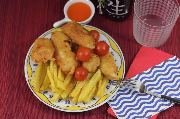 Receta fácil con explicación paso a paso para preparar en casa un pescado rebozado crujiente perfecto como el famoso Fish and Chips británico.