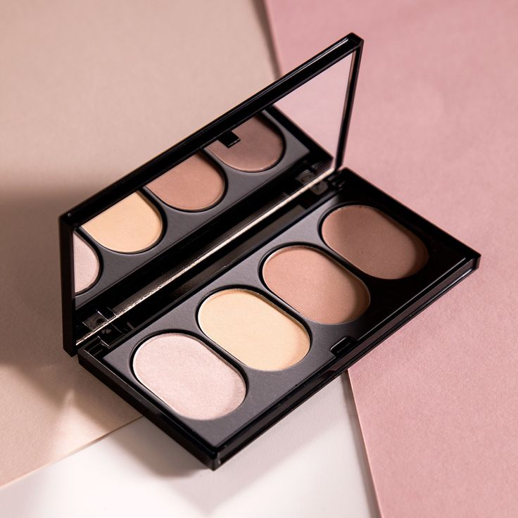 Add extra definition to your natural features with our easy-to-use Contour Palette. 4 shades that compliment every skintone. #JAFRAusa #Contouring #motd