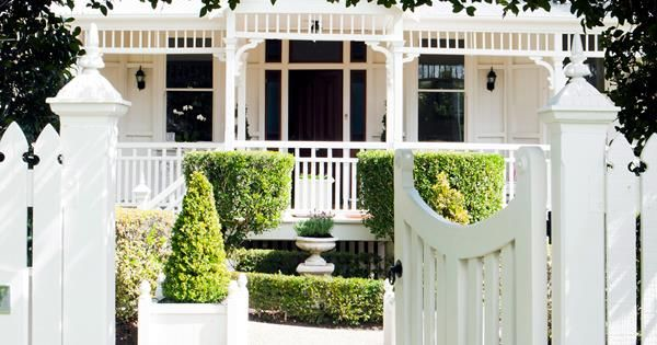If you're all set for a spring sale, follow these basic rules to maximise your property price in Australian's booming property market.