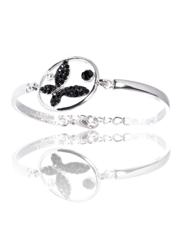 Campania Look the ring pe www.mynameisbrand.ro #fashion #accesories #women #ring #apparel