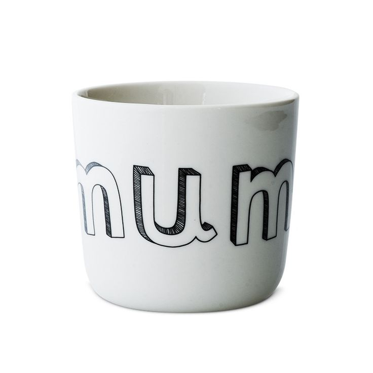 Cups for family and friends. These porcelaincups come with many different names on: Mum, dad, grandmother, grandfather, sister, brother, you, me, b...