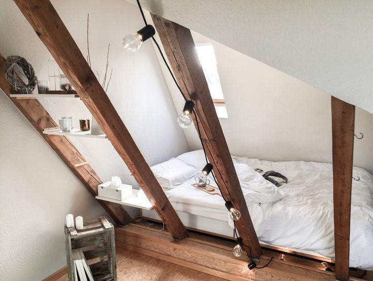 Auch in dieser Woche sind die neuen Wohnungseinblicke auf SoLebIch.de wieder bunt und vielfältig: Wir reisen heute in die Bayerischen Alpen sowie von München bis in den hohen Norden Deutschlands und statten unter anderem einer noch sehr jungen Int