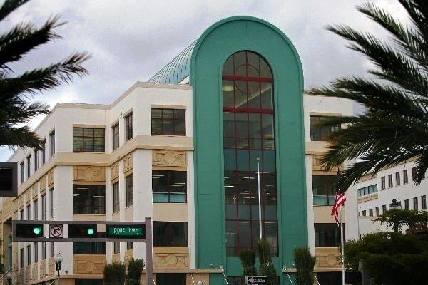 West Palm Beach City Hall Parking Garage