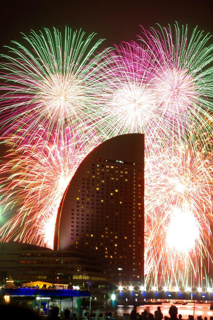 https://flic.kr/p/wYPA5K | Yokohama, Japan fireworks 2015 Intercontinental hotel