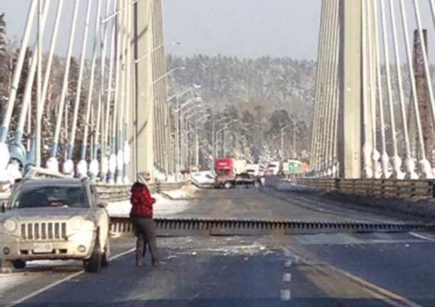 THUNDER BAY –DEVELOPING – The Nipigon Bridge has been closed due to cold weather. Reports are that the bridge heaved. OPP are advising that the Highway is closed. The highway closure effectively closes travel by road across Canada. The option now is for vehicles headed west or east to detour through the United States. Westbound …