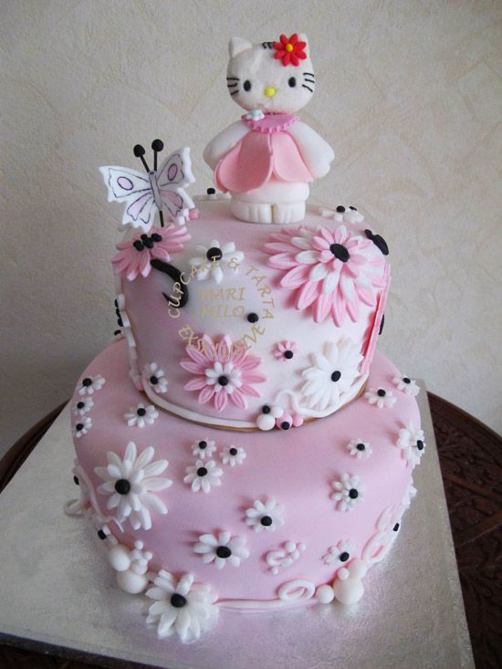 die besten 25 hello kitty torte ideen auf pinterest hello kitty fondant hallo kitty cupcakes. Black Bedroom Furniture Sets. Home Design Ideas