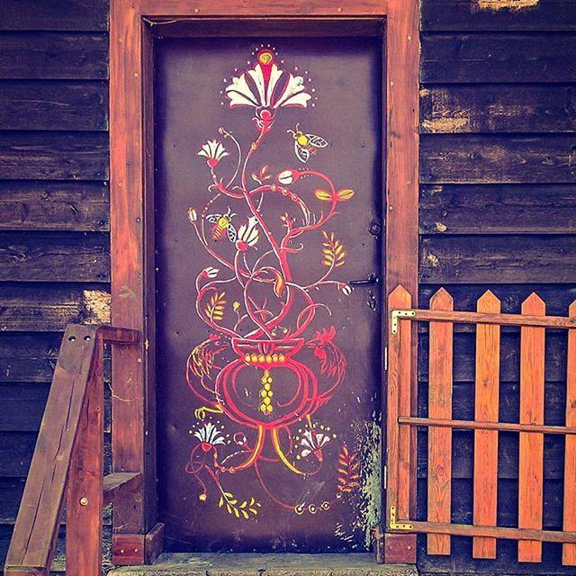 My hand decorated doors 😋 Pattern design by my friend @silverclockkr  #cottagedoor #handmade #art #village #villagelife #house #cottage #przesieka #artistic #folklore #flowers #olddoor #door #doors#oldhouse #shabbychic #shabbychicdecor #exterior