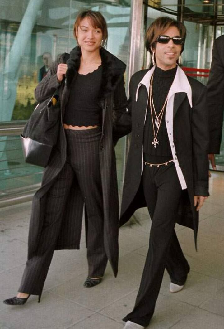 Rare pic of Prince with Mayte Garcia 1997.