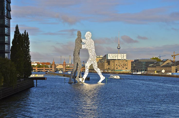 ღღ Berlin/Germany - Molecule Man and the Oberbaumbridge in the background