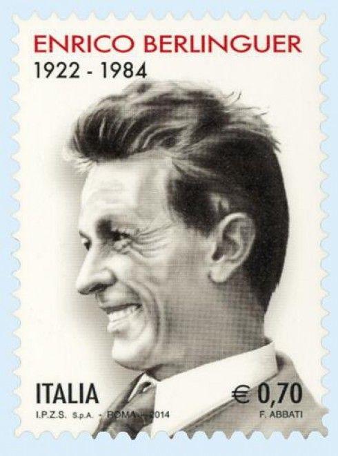 Un ritratto sorridente di profilo di Enrico Berlinguer nel francobollo commemorativo del leader comunista, la cui emissione è in programma per l'11 giugno prossimo. Il francobollo ha un valore di 70 centesimi ed è autoadesivo; viene emesso per celebrare il trentennale della scomparsa d