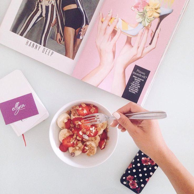 Buongiorno a tutti 😘Oggi il mio oroscopo dice di osare in lavoro e fare quel salto. Ora, iniziamo con la colazione poi ci penso al salto 😏😁 #goodmorning #beakfast #instagram #pink