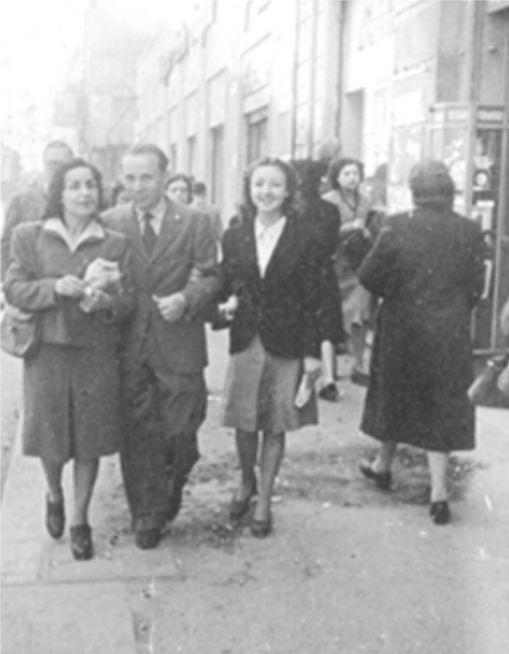 A Milano il giorno di Pasqua del 1946 con lo zio Bruno e sua moglie - Foto - Oriana Fallaci
