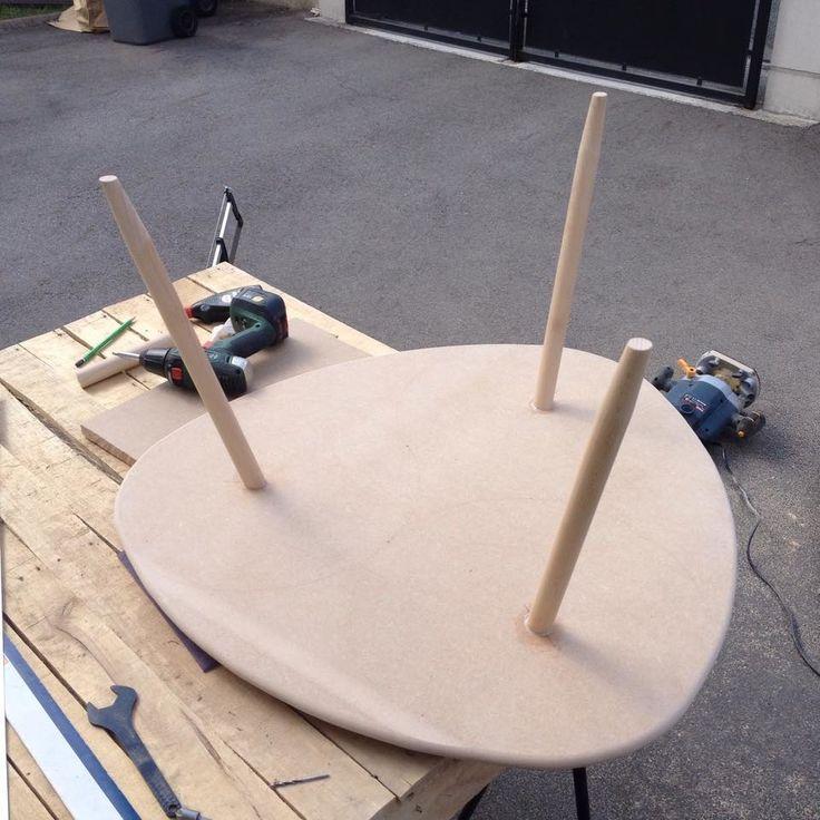Les 25 meilleures id es de la cat gorie table tripod sur pinterest tripode - Fabriquer des pieds de table ...