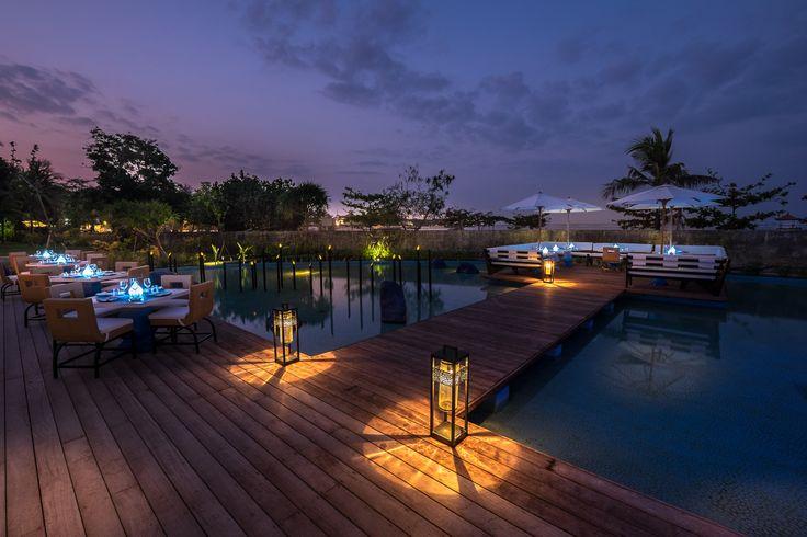 Club Med Bali - restaurant by night