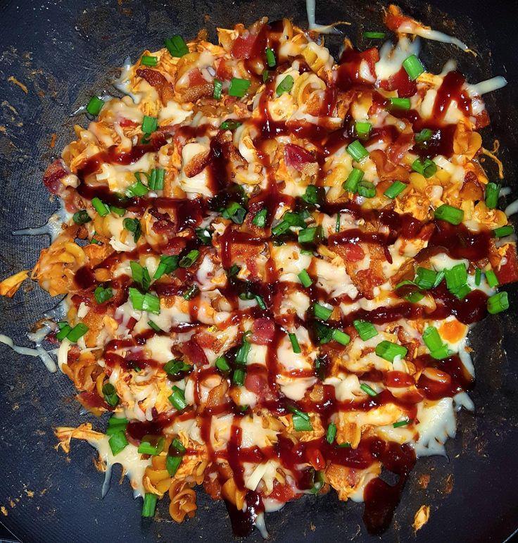 [Homemade] Monterrey Jack Bacon & Chicken BBQ Skillet