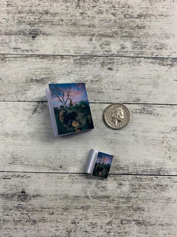 Miniature Dollhouse Book 1//12 Scale Miniatures Diomara
