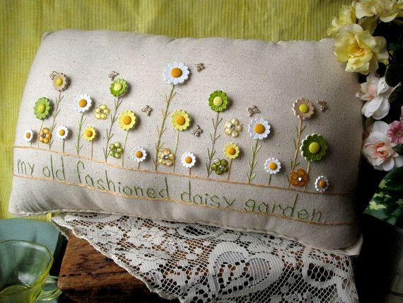 Mi viejo Fashioned almohada jardín de Daisy por PillowCottage