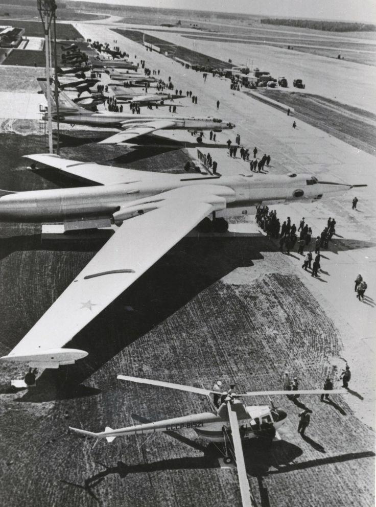 50 лет авиационному параду в аэропорту Домодедово - Сайт города Домодедово
