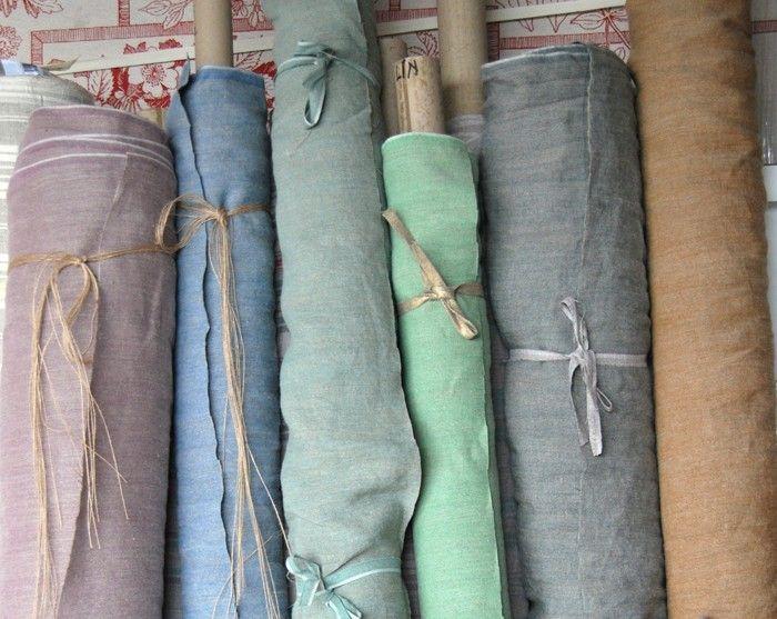 """Lin Lavé """"Sabbia"""" 150cm de laize Très belle toile en 100% lin stone washed. Chaîne en lin naturel et trame en lin fils teints. le mélange de lin donne un aspect légèrement chiné.Idéal pour les rideaux, mais aussi pour les nappes, tabliers, sacs etc. Le lavage à la pierre donne au tissu un beau tombé et un touché très doux."""