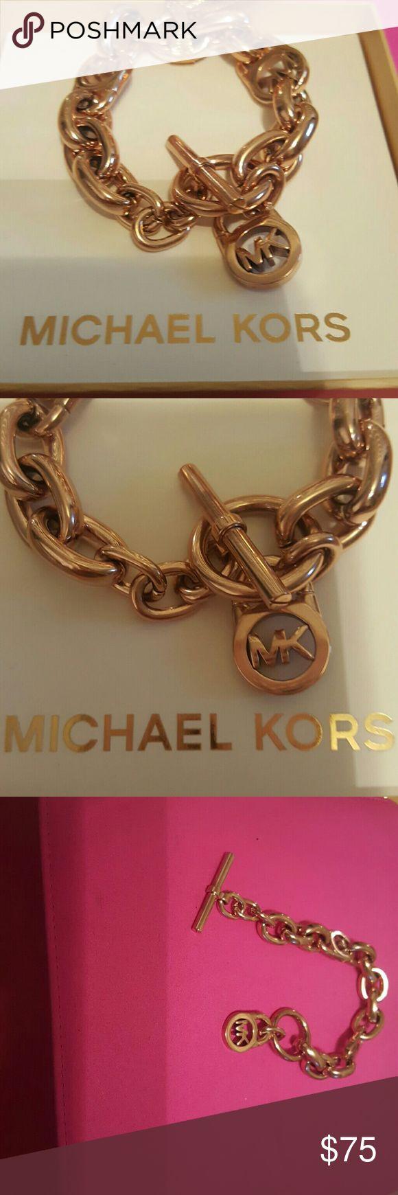 Gorgeous Michael Kors original bracelet Michael Kors original bracelete Michael Kors Jewelry Bracelets