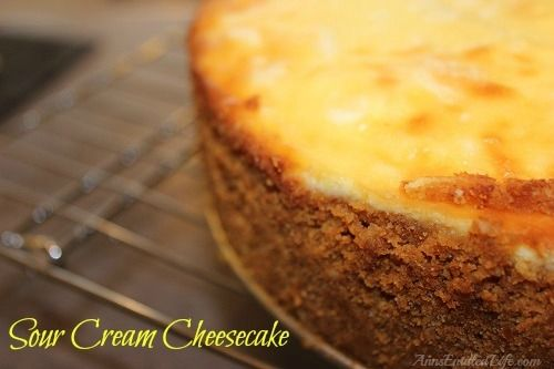 Sour Cream Cheesecake Recipe - This Sour Cream Cheesecake Recipe is creamy and delicious. Easy to make, your guests and family will love every tangy-sweet bite!   http://www.annsentitledlife.com/recipes/sour-cream-cheesecake-recipe/ Easy cake recipes for beginners #popcake #sweet