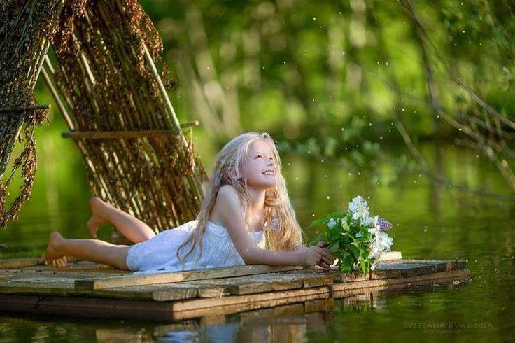 """""""Счастье находится там же, где находитесь вы, — где вы, там и счастье. Оно вас окружает; это естественное явление. Оно точно как воздух, точно как небо."""" (Ошо)"""