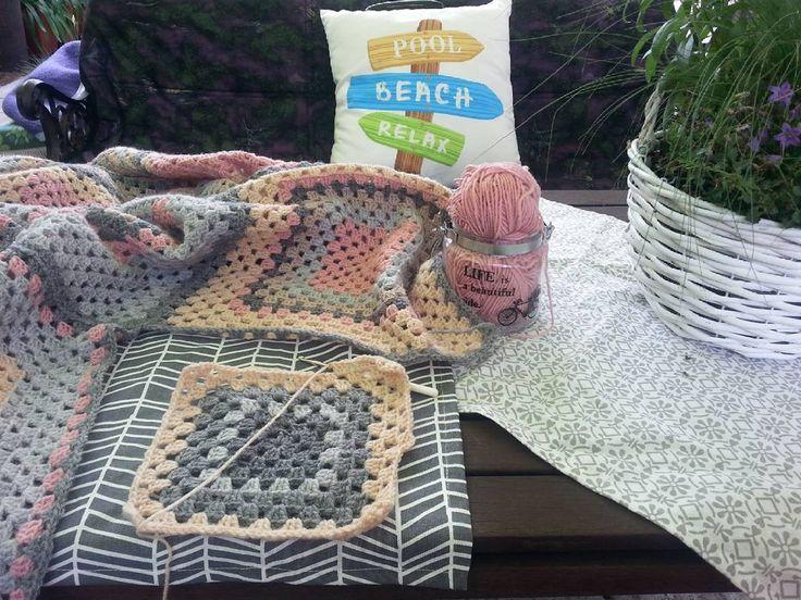 #grannyblanket #craftastherapy #crocheting #crochetersofinstagram #recznarobota #handmade #szydełkowanie #grannyblanket #hobby #crocheter #pogodzinach #zpotrzebypiekna #szydelkowaterapia #instagranny #crochetlove #pled #koc #ogród #garden #sobota #weekend #relaks #relax #relaxing #wełna #szydełko