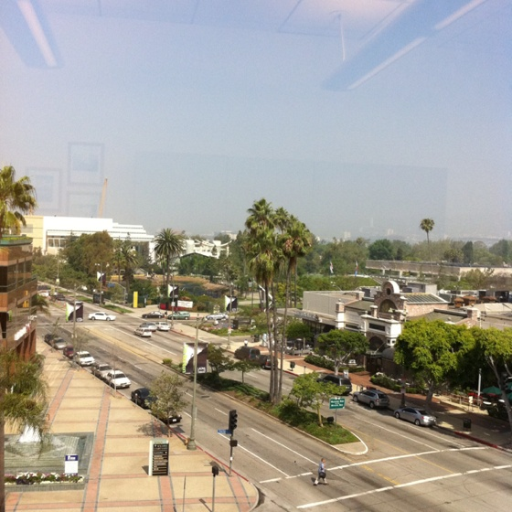 Miracle Mile Apartments: Museum Row@ Miracle Mile, Los Angeles